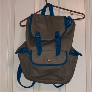 Super cute gray and blue back pack !